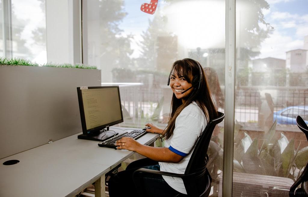 sourire télésecrétaire médicale-accueil téléphonique médical-serenity